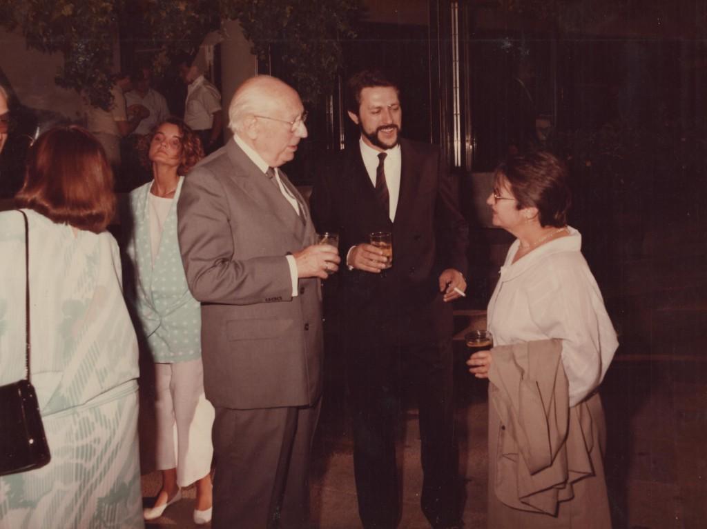 Carmen Ferrero junto a Tierno Galván