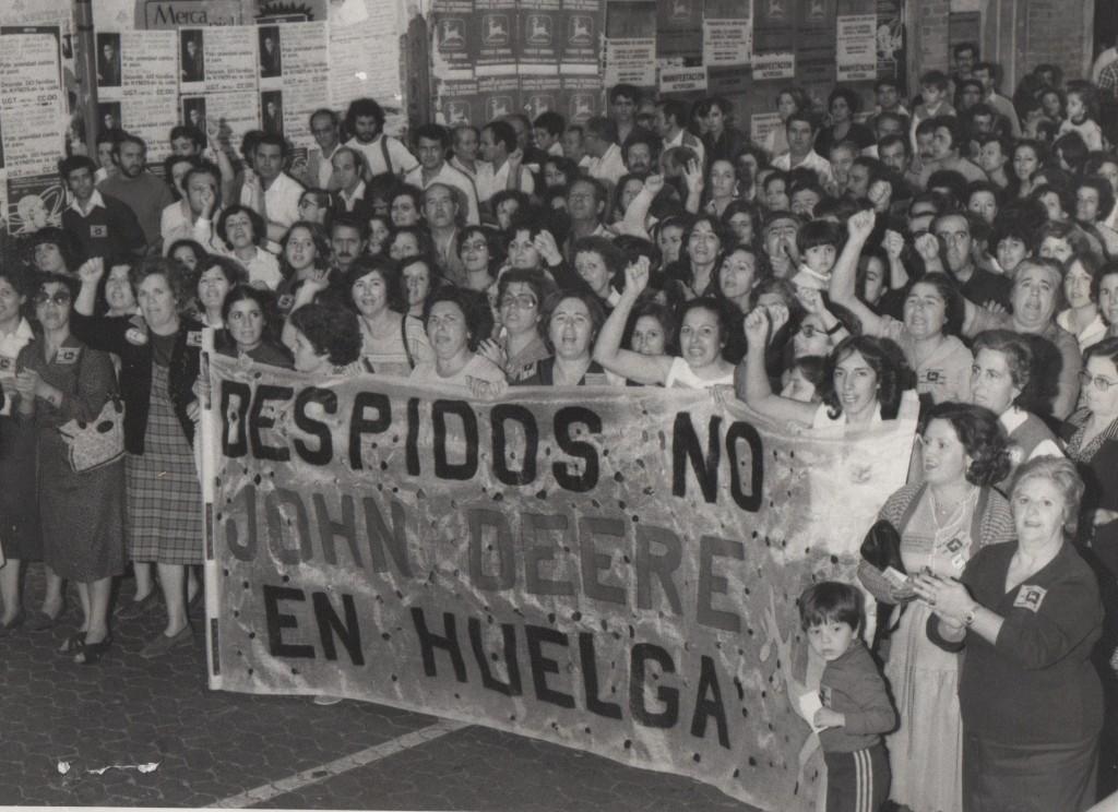 Fotografía de la huelga del 1981 en la fábrica John Deere